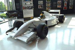 McLaren MP 4/8 e il V12 Lamborghini LE3512 del test del 1993