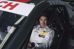 Edoardo Mortara at the seat fiiting