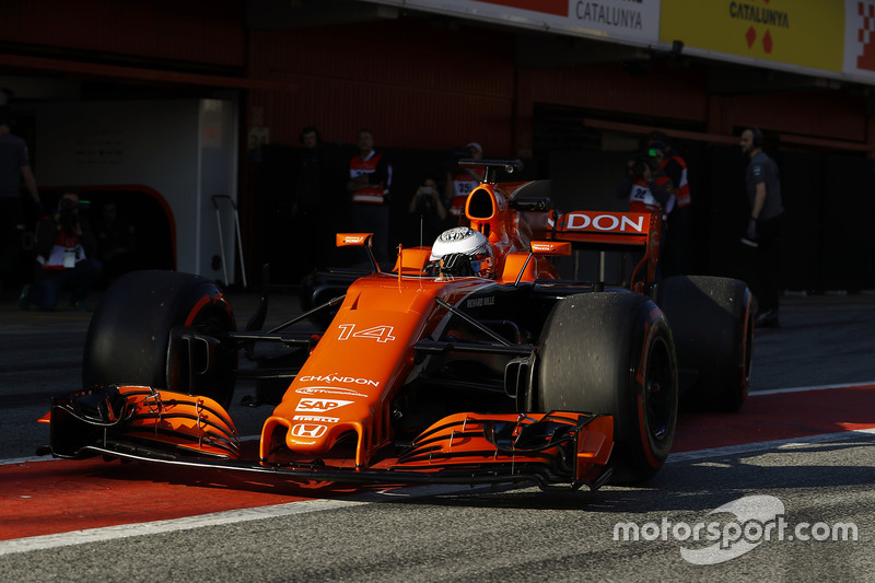 18: Fernando Alonso, McLaren MCL32,1:22.598, ultrasofts, day 3 (101 laps)