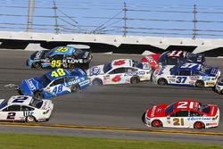 Crash: Jimmie Johnson, Hendrick Motorsports, Chevrolet; Trevor Bayne, Roush Fenway Racing, Ford