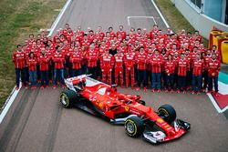 Kimi Raikkonen, Sebastian Vettel, Sergio Marchionne, Scuderia Ferrari Takımı yeni Ferrari SF70H ile