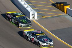 Kevin Harvick, Stewart-Haas Racing Chevrolet, Kurt Busch, Stewart-Haas Racing Chevrolet