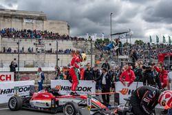 Il vincitore della gara Maximilian Günther, Prema Powerteam Dallara F317 - Mercedes-Benz