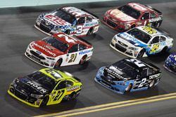 Paul Menard, Richard Childress Racing Chevrolet, Brad Keselowski, Team Penske Ford, Ryan Blaney, Wood Brothers Racing Ford