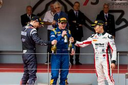 Podium: winner Oliver Rowland, DAMS, second place Artem Markelov, RUSSIAN TIME, third place Nobuharu