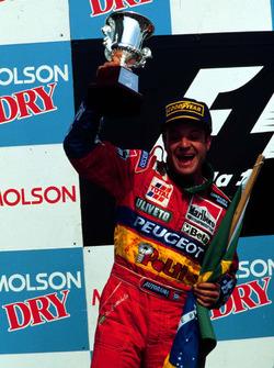 Podium : le second Rubens Barrichello, Jordan