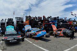 Denny Hamlin, Joe Gibbs Racing Toyota, Kyle Busch, Joe Gibbs Racing Toyota, Matt Tifft, Joe Gibbs Ra