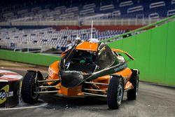 Felipe Massa guida l'auto ROC