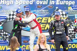 Podium: 1. Borja Garcia, Racers Motorsport, 2. Anthony Kumpen, PK-Carsport, 3. Stienes Longin, PK-Ca