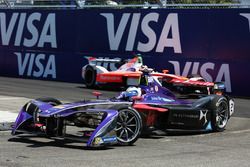 Sam Bird, DS Virgin Racing, leidt voor Felix Rosenqvist, Mahindra Racing
