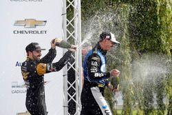Podium : le vainqueur Graham Rahal, Rahal Letterman Lanigan Racing Honda, le troisième James Hinchcliffe, Schmidt Peterson Motorsports Honda