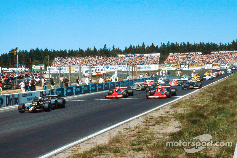 Mario Andretti, Lotus 79 Ford, leads John Watson and Niki Lauda, both Brabham BT46B Alfa Romeos, at the start