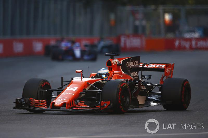 9e : Fernando Alonso (McLaren-Honda)