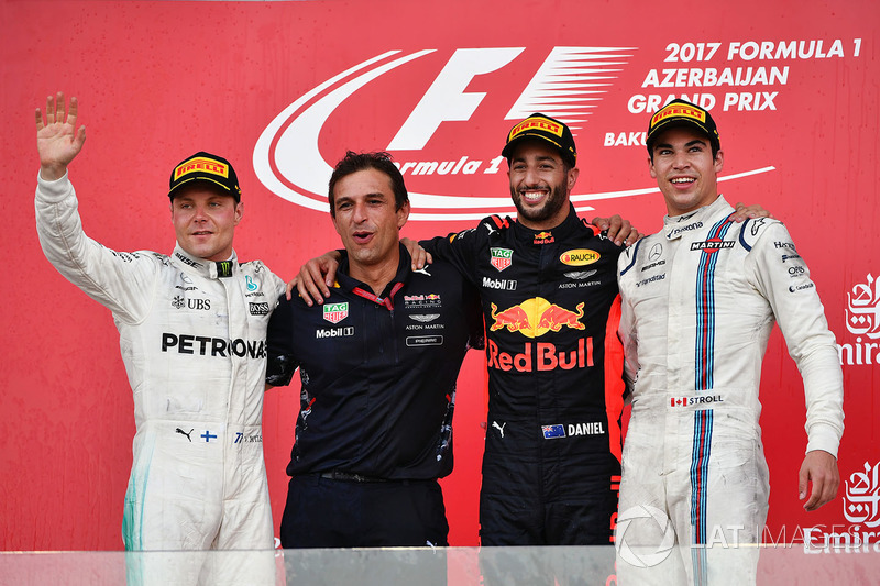 Race winner Daniel Ricciardo, Red Bull Racing celebrates on the podium, Pierre Wache, Red Bull Racing Chief Engineer Performance Engineering, Valtteri Bottas, Mercedes AMG F1 and Lance Stroll, Williams