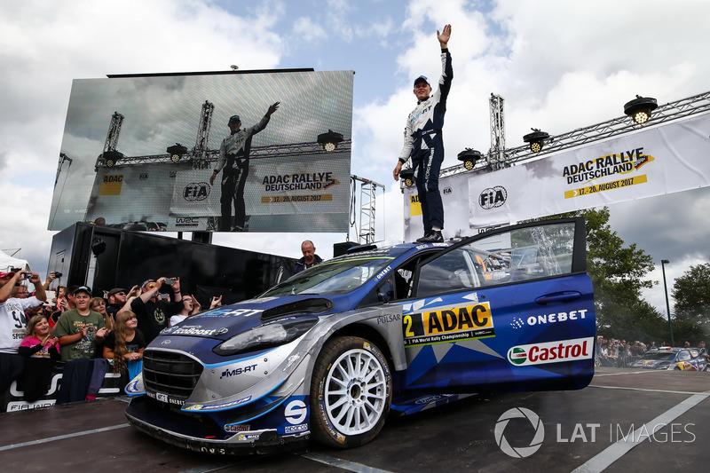 Победители Отт Тянак и Мартин Ярвеоя, Ford Fiesta WRC