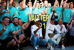 Lewis Hamilton, Mercedes AMG F1, Valtteri Bottas, Mercedes AMG F1, Tony Ross