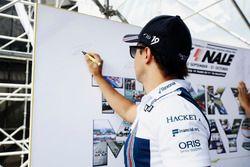Felipe Massa, Williams, en el escenario de la F1