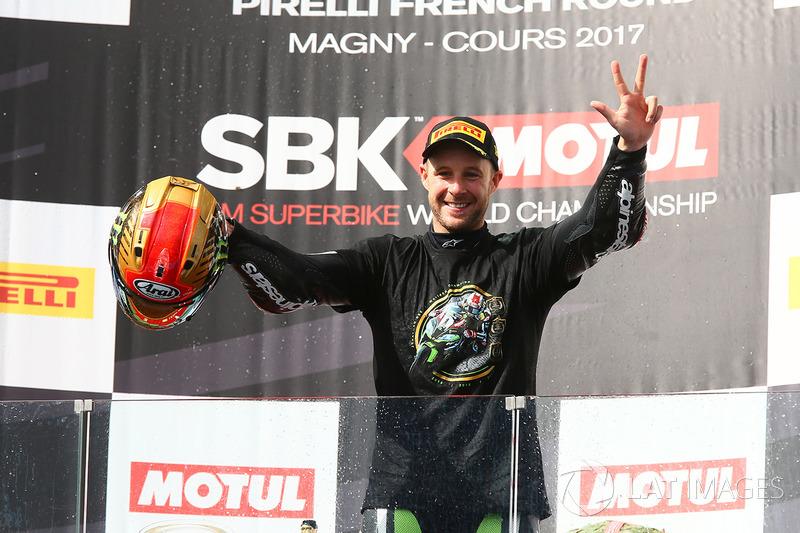 Ganador de la carrera y campeón 2017 Jonathan Rea, Kawasaki Racing