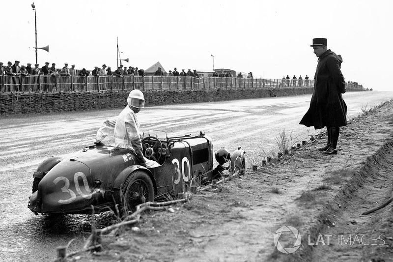 #30 Aston Martin Ulster: Goldie Gardner, AC Beloe