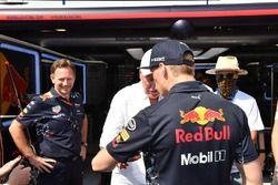 Christian Horner, Team Principal Red Bull Racing, Max Verstappen, Red Bull Racing et Jean-Claude Biver, PDG de TAG Heuer