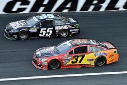 Chris Buescher, JTG Daugherty Racing Chevrolet, Derrike Cope, Premium Motorsports Toyota