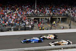 Takuma Sato, Andretti Autosport, Honda; Ed Jones, Dale Coyne Racing, Honda; Helio Castroneves, Team