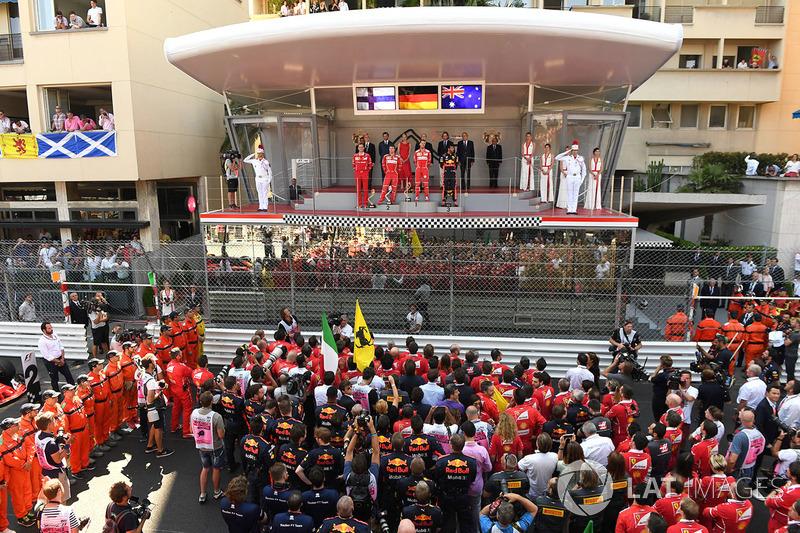 Monaco'da ilk kez gerçek bir podyum kuruldu