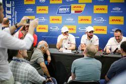 Press Conference: Yvan Muller, Citroën World Touring Car Team, Citroën C-Elysée WTCC; José María Lóp