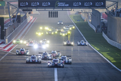 Start: #8 Audi Sport Team Joest, Audi R18: Lucas di Grassi, Loic Duval, Oliver Jarvis, führt