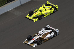 Helio Castroneves, Team Penske Chevrolet Simon Pagenaud, Team Penske Chevrolet
