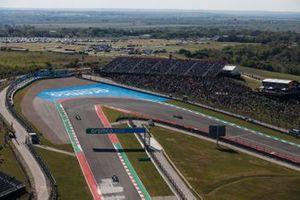 Fernando Alonso, Alpine A521, Kimi Raikkonen, Alfa Romeo Racing C41 e Charles Leclerc, Ferrari SF21.