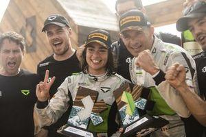 Jamie Chadwick, Stephane Sarrazin, Veloce Racing and , 2nd position, trophy