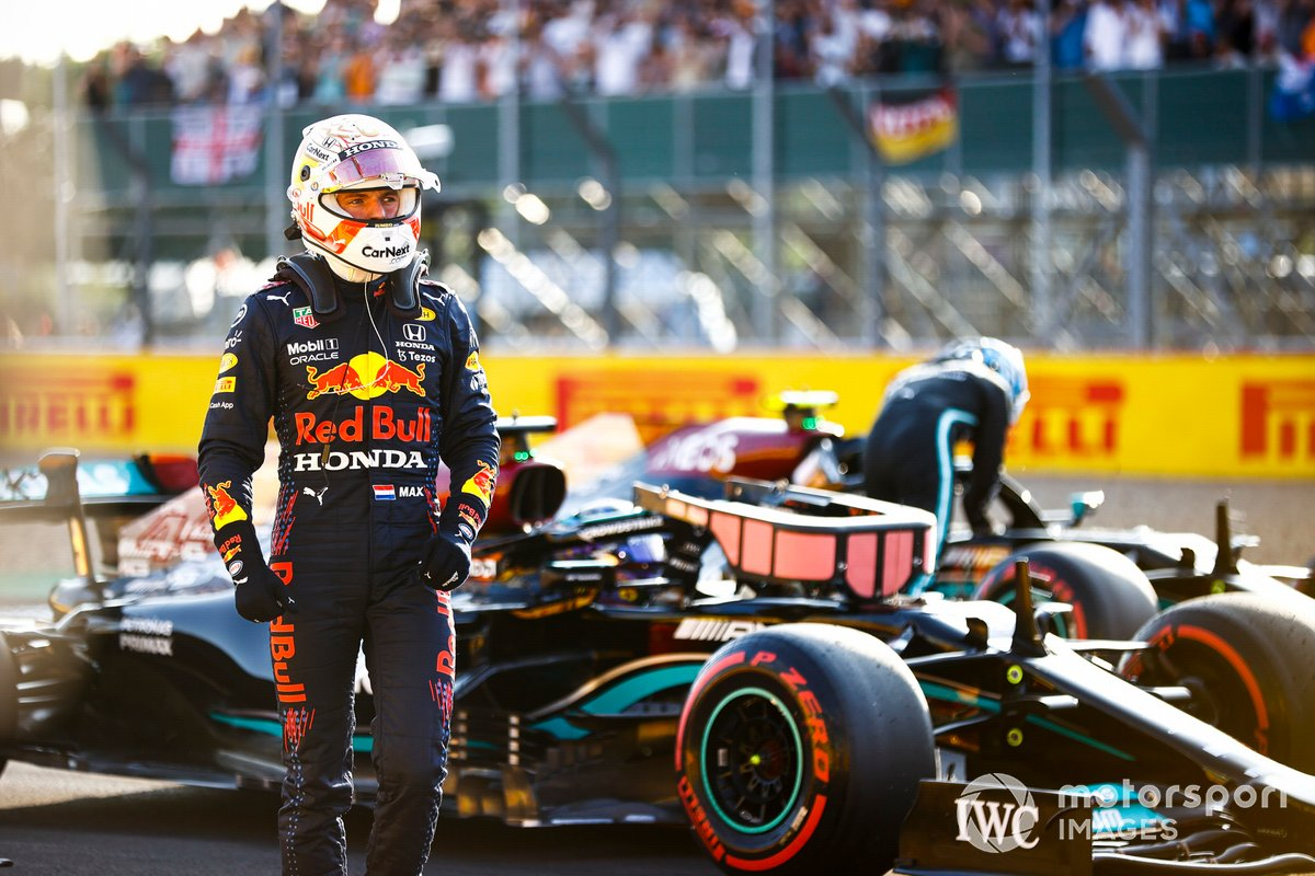 Segundo puesto Max Verstappen, Red Bull Racing, en Parc Ferme