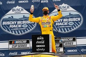 Race winner Kyle Busch, Joe Gibbs Racing, Toyota Camry