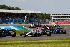 Lance Stroll, Aston Martin AMR21, Kimi Raikkonen, Alfa Romeo Racing C41, Antonio Giovinazzi, Alfa Romeo Racing C41, et Esteban Ocon, Alpine A521