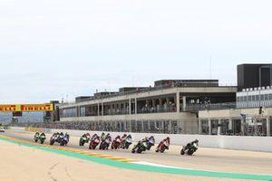 Jonathan Rea, Kawasaki Racing Team WorldSBK leads from the start