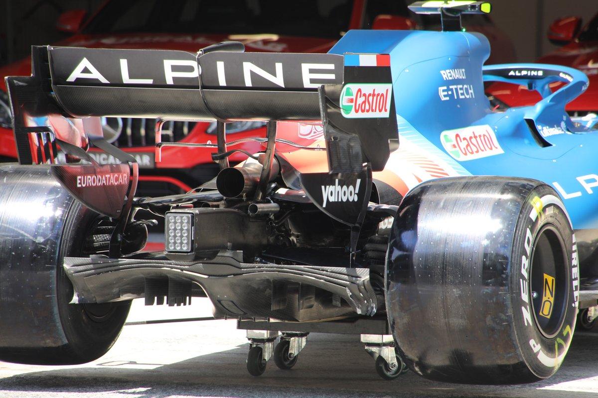 Alpine A521 rear detail