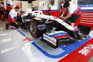 The Mick Schumacher Haas VF-21 in the team's garage