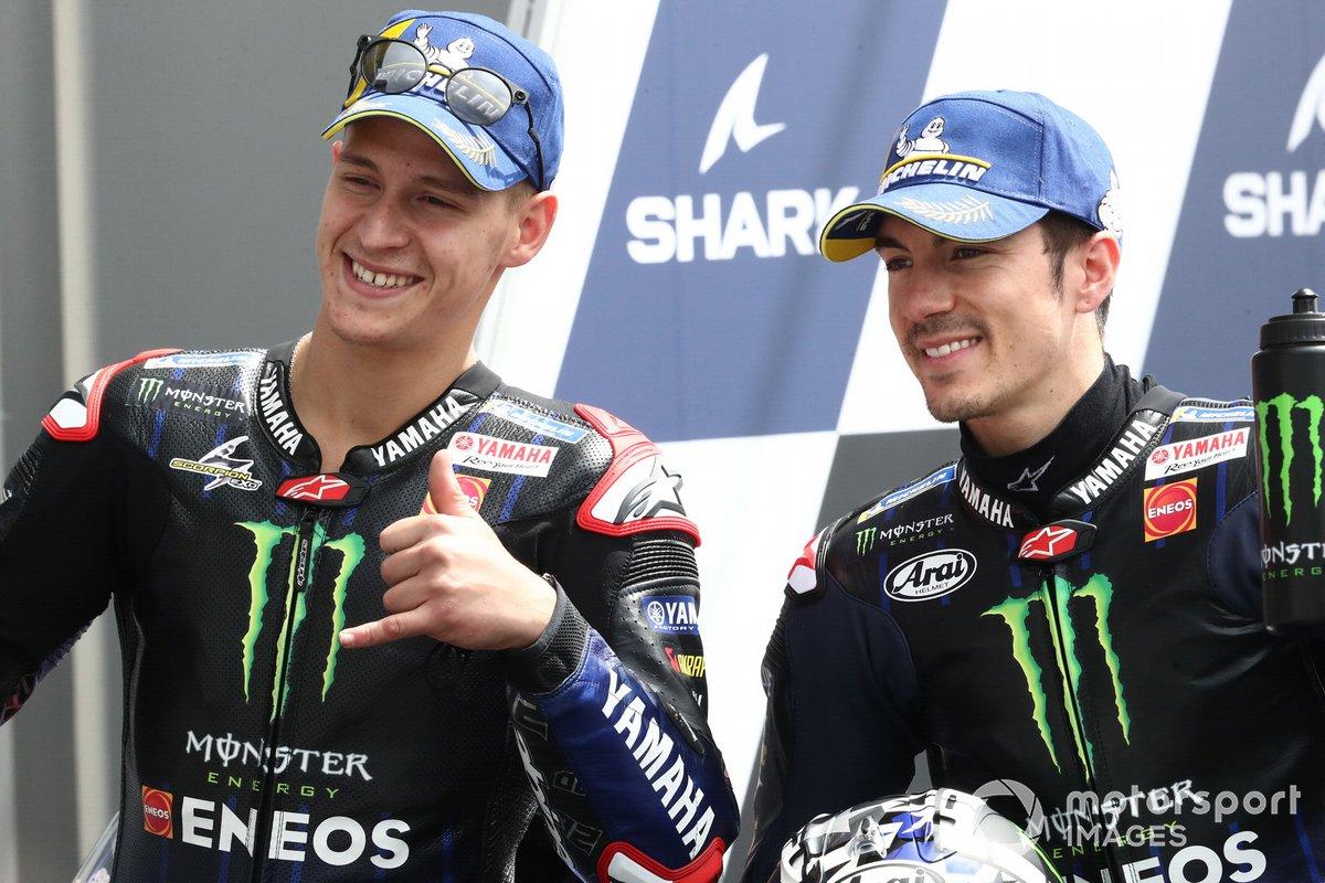 Ganador de la pole Fabio Quartararo, Yamaha Factory Racing, segundo puesto Maverick Viñales, Yamaha Factory Racing