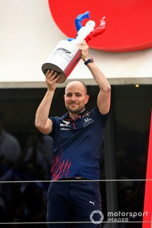 Gianpiero Lambiase, Race Engineer, Red Bull Racing, with the Constructors trophy