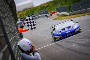 #163 Emil Frey Racing, Lamborghini Huracan GT3 Evo: Albert Costa, Norbert Siedler