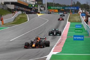 Max Verstappen, Red Bull Racing RB16B, Lewis Hamilton, Mercedes W12, and Charles Leclerc, Ferrari SF21