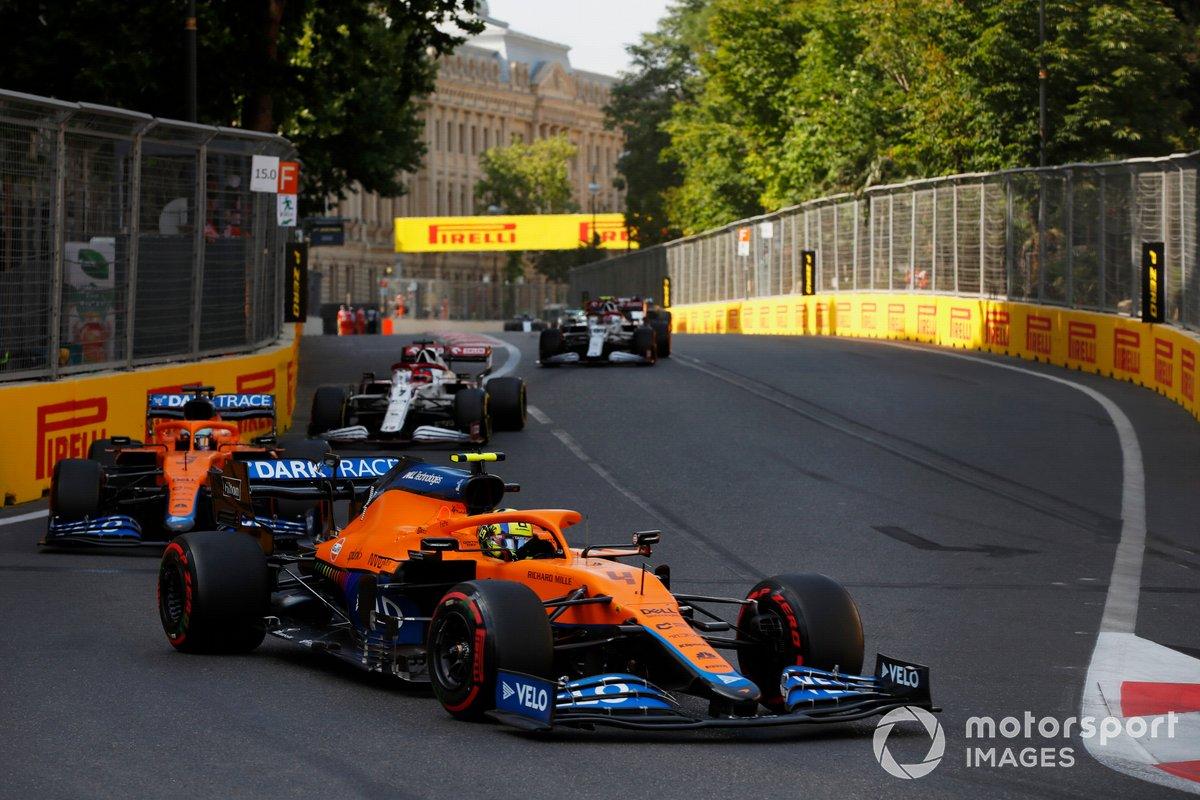 Lando Norris, McLaren MCL35M, Daniel Ricciardo, McLaren MCL35M, Kimi Raikkonen, Alfa Romeo Racing C41