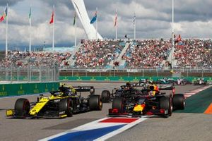 Nico Hulkenberg, Renault F1 Team R.S. 19, leads Max Verstappen, Red Bull Racing RB15, and Kevin Magnussen, Haas F1 Team VF-19