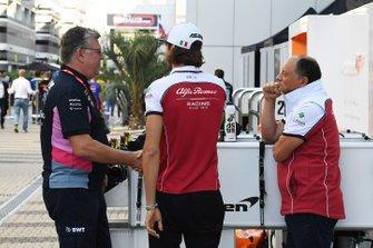 Otmar Szafnauer, Team Principal and CEO, Racing Point, talks with Antonio Giovinazzi, Alfa Romeo Racing, and Frederic Vasseur, Team Principal, Alfa Romeo Racing, in the paddock