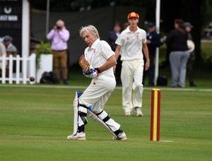 Partido de Cricket Derek Bell