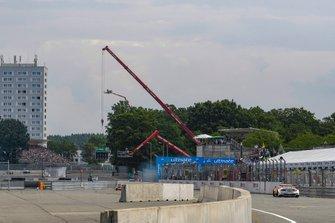 Checkered flag, Jamie Green, Audi Sport Team Rosberg, Audi RS 5 DTM