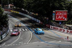 Nicky Catsburg, BRC Hyundai N LUKOIL Racing Team Hyundai i30 N TCR, Thed Björk, Cyan Racing Lynk & Co 03 TCR