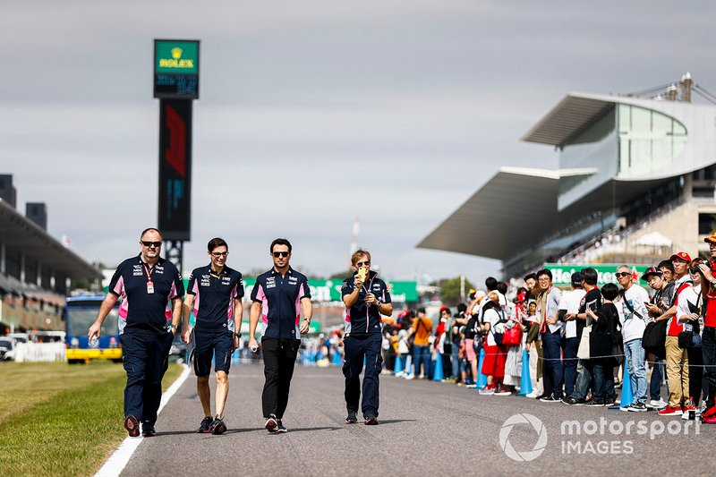 Sergio Perez, Racing Point walks the track