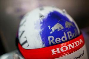 Helm van Daniil Kvyat, Toro Rosso